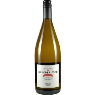2017 Riesling feinherb 1L - BRUEDER ESER