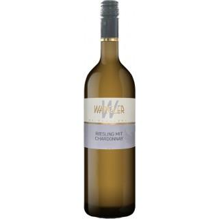 2020 Württemberg Riesling mit Chardonnay halbtrocken - Weinkellerei Wangler