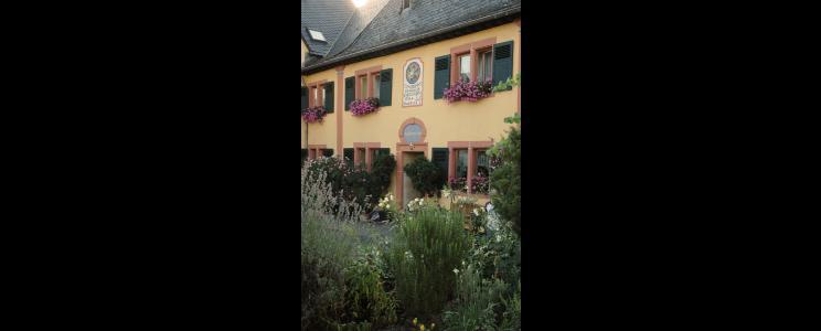 Weingut Staffelter Hof