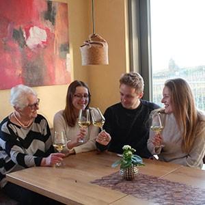 Ursula Fischer, Alena Fischer, Marius Fischer, Velia Fischer