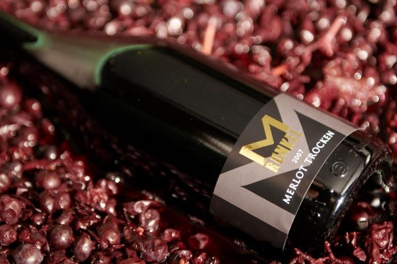 Flasche vom Weingut Runkel